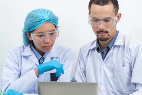 Scientists are working in a chemical lab